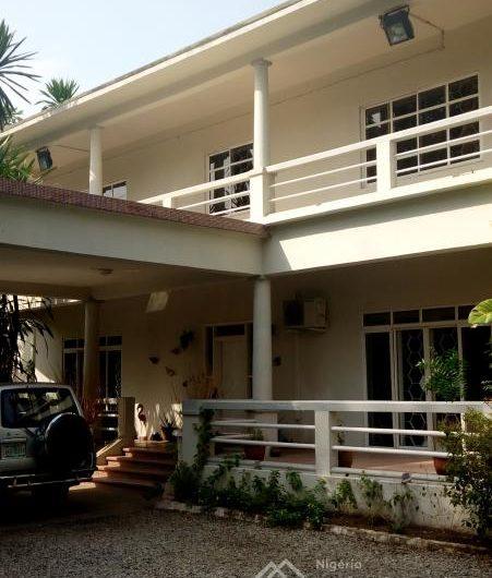 4 bedroom detached duplex for rent