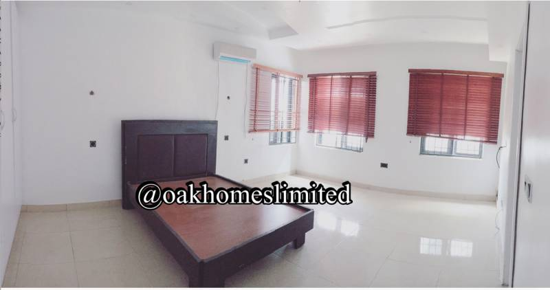 3 bedroom duplex for sale at Oniru estate VI, Victoria island, Lagos ₦70,000,000